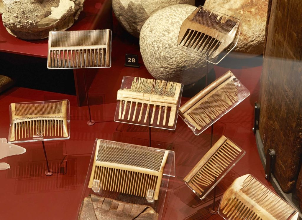 82 nit combs mainly made of boxwood were found on the Mary Rose the most commonly found personal objects recovered copy 1024x747